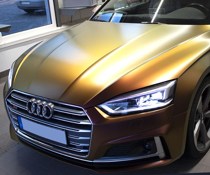 Audi Cabrio in auffälligem Flip Flop-Design